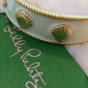 Brand new Lilly Pulitzer ivory and gold bangle